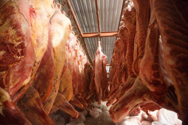 Bråk om kontrollavgift för livsmedel