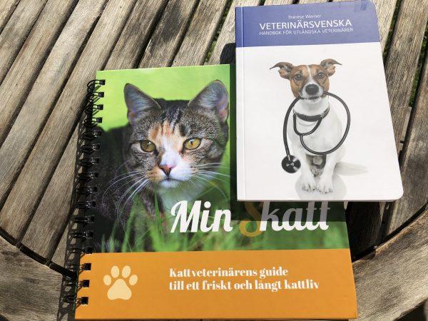 Två nya handböcker av och för veterinärer